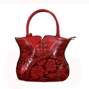 Beautiful original ethnic female header layer of leather leather Chinese Dragon Chinese style Messenger bag embossed shoulder bag