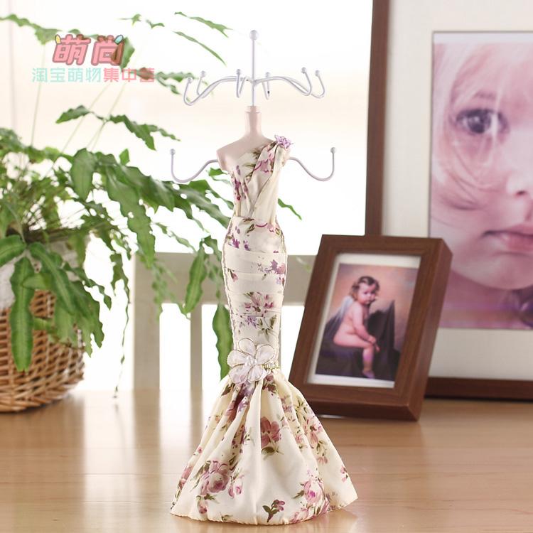 Специальное предложение деревенском ручной модель принцесса платье ювелирных стенд/ткань украшения Дисплей стенд серьги держатель