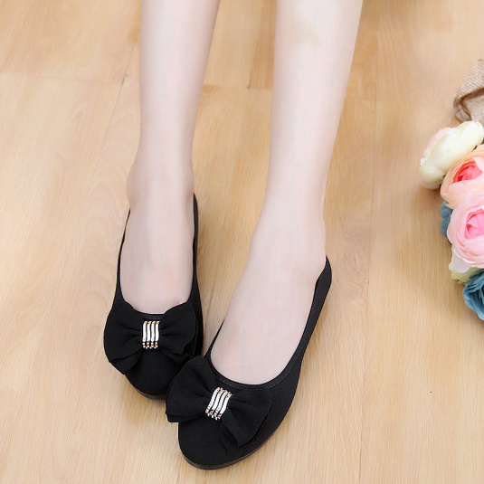 Spring 2020 new and old Beijing cloth shoes womens shoes single shoes fashion flat black work shoes casual Doudou shoes mothers shoes