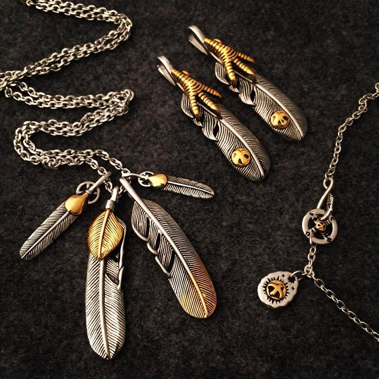 Yu wenle same fashion fashion personalized sweater chain feather pendant retro couple Eagle Claw titanium steel necklace long