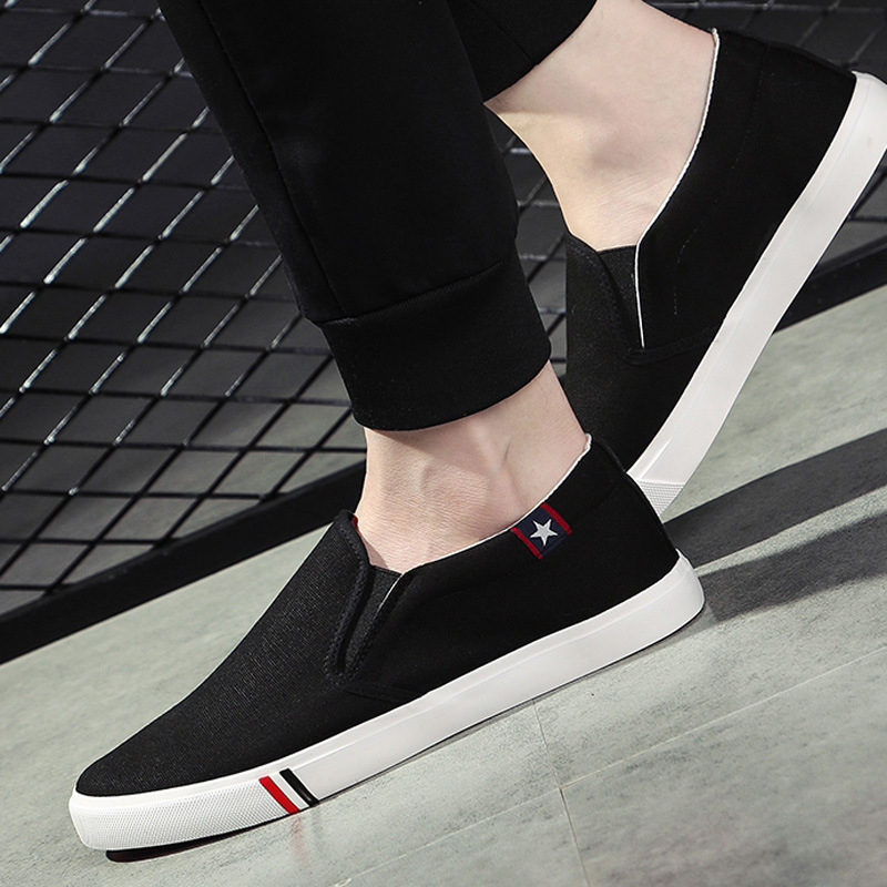 Spring and summer new lazy mens shoes canvas shoes versatile Korean fashion casual one foot pedal canvas shoes for couples
