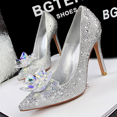 【MOQ 50 pairs】Han edition of Cinderella's glass slipper shallow mouth high-heeled shoes flower diamond wedding shoes sex's main photo
