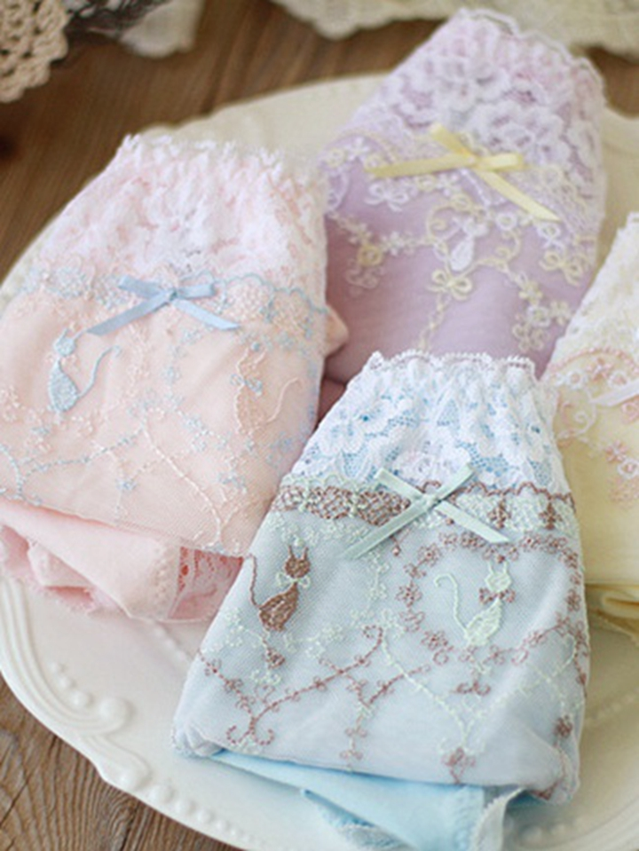 Summer Korean version of Lovely Japanese lace underwear girl small fresh and lovely middle waist no trace lotus leaf wide edge hip Fairy