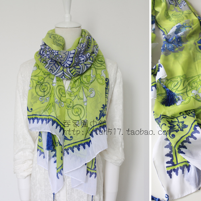 Fluorescent yellow with blue and white porcelain blue pattern cotton scarves and scarves