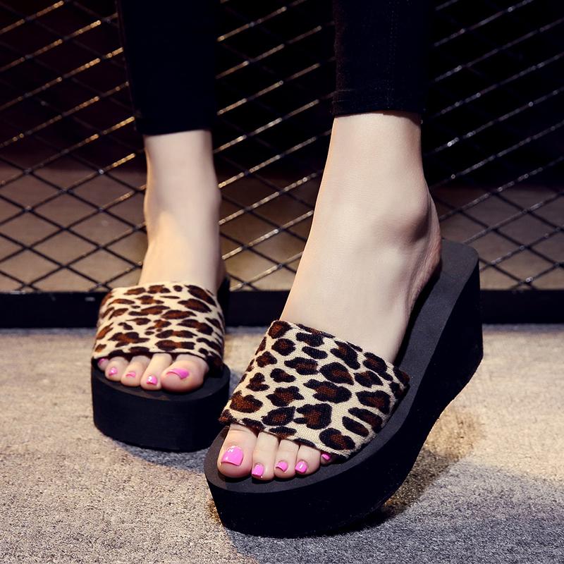 一字拖女鞋坡跟夏季韩版防滑沙滩鞋凉鞋厚底仿水台松糕跟女拖鞋潮