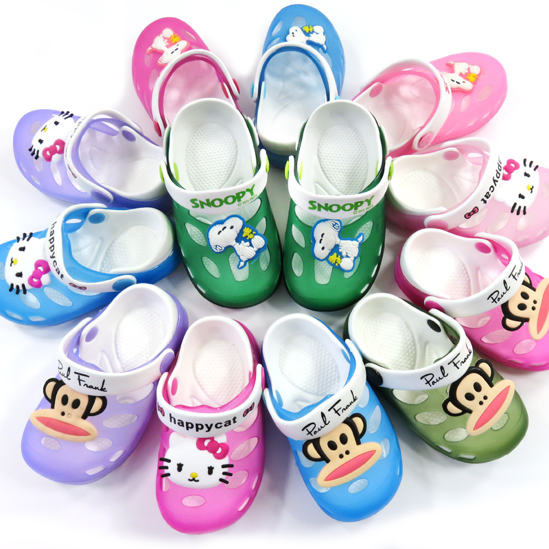 Свежие пост Тапочки детские и детские желе обувь для мужчин и женщин в маленьких детей летом отверстие мультфильм обувь сандалии
