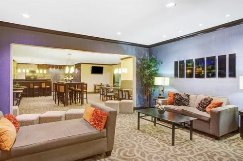 Baymont Inn and Suites Dallas/ Love Field