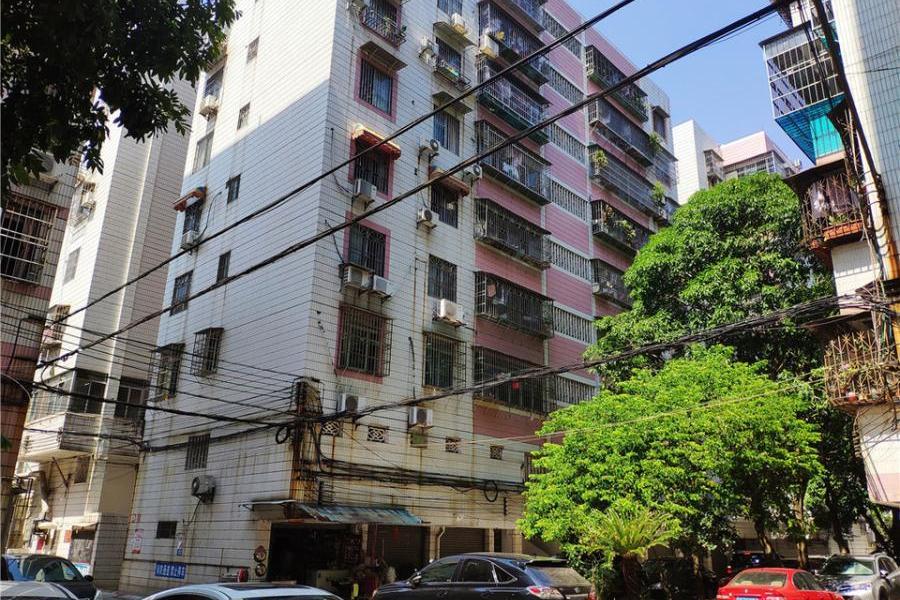 肇庆市端州区和平路和平花园6号第四幢811房