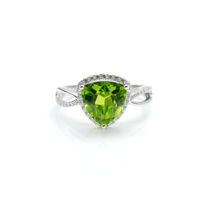 Xinxin jewelry 18K white gold inlaid with olivine ring and zirconium customized modification fee