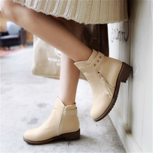 In 2015 the new autumn han edition leisure short boots with flat wide feet fat fat people autumn female big yards of shoes