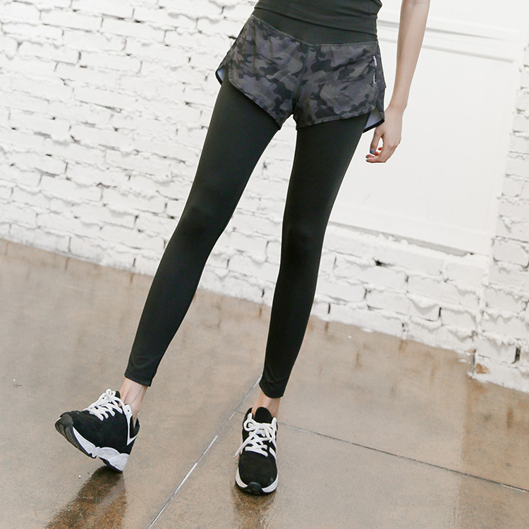 Three brothers fitness autumn and winter new womens sports running fitness leave two camouflage pants Yoga Pants slim fit