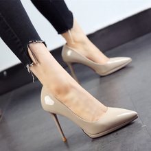 Korean black work shoes new pointy shoes in autumn 2019 patent leather waterproof platform thin heel high heels women's fashion single shoes