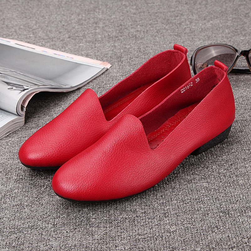 2020 spring and summer leather cowhide womens shoes small white shoes with red soft mother shoes comfortable low heel casual shoes