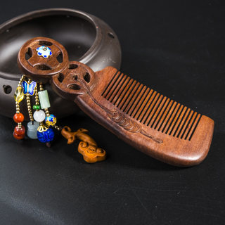 Retro ladies temperament very Thai female mahogany carved tassels natural Walnut comb comb new products