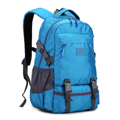 New high school students on the new fashion bag young lady outdoor mountaineering tourism leisure backpack