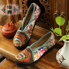 Chinese dance shoes with thin national wind in spring breathable straps embroidered shoes old Beijing cloth shoes women with flat flower fairies