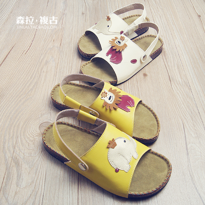 Summer styles cartoon Cork leather peep-toe platform Sandals slippers small lion you two wearing flat sandals and slippers