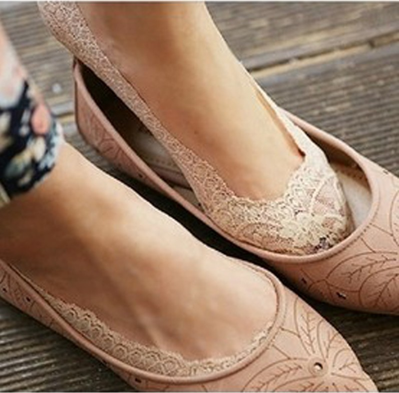 Invisible socks boat socks spring and summer womens South Korea shallow lace socks ice silk does not drop with silicone antiskid socks
