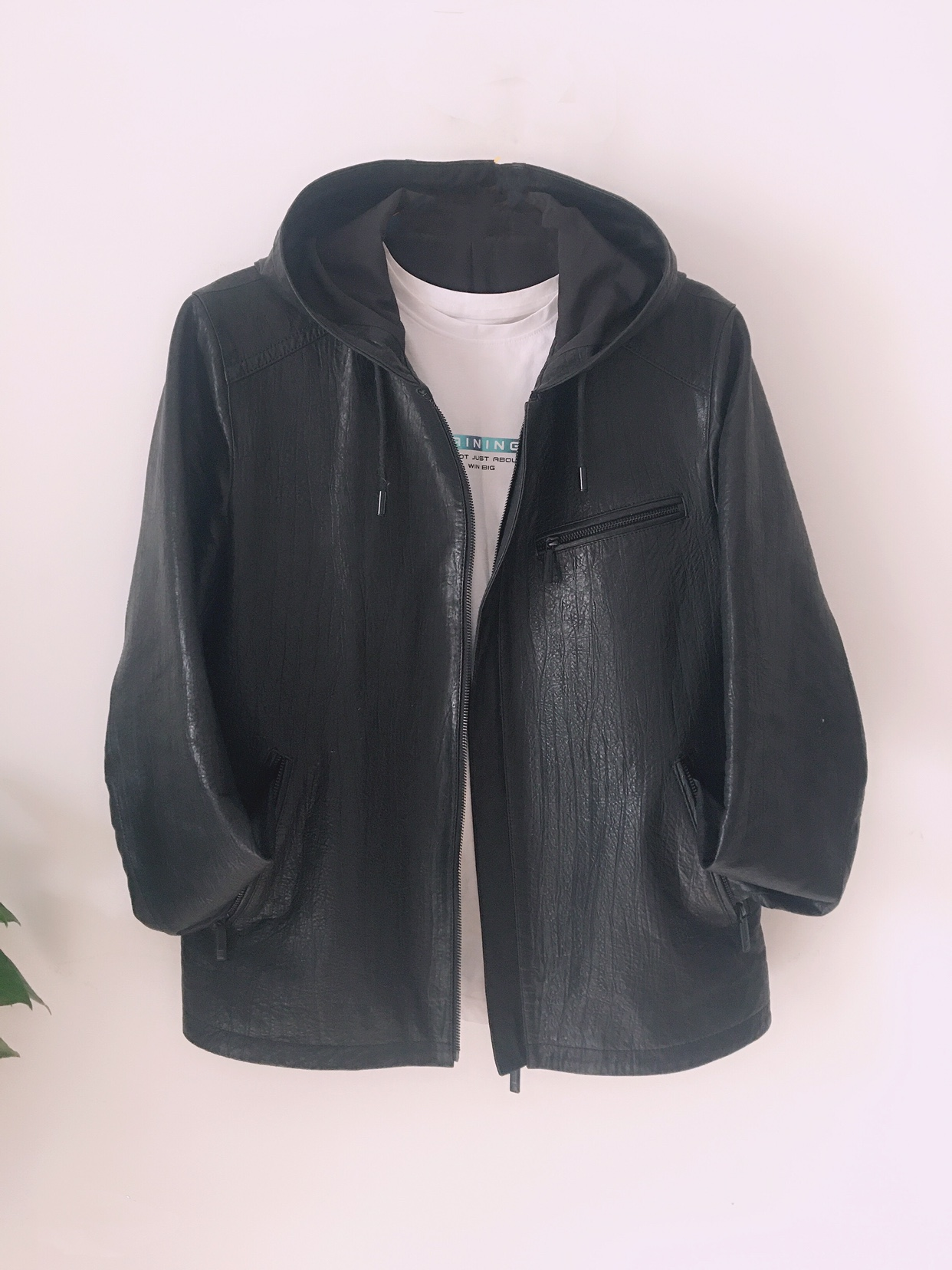 2020 new spring and autumn fashion casual mens sheepskin short leather embossed hooded leather jacket