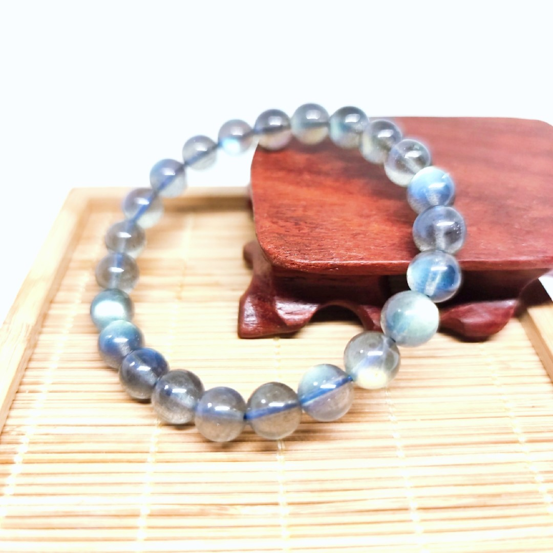 Jingdian crystal jewelry natural elongated Stone Bracelet grey moonlight Bracelet relieves fatigue lovers romantic lover stone