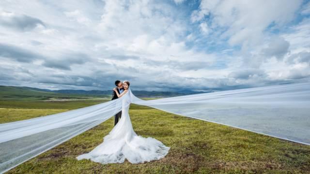 自驾7千公里拍婚纱照,恩爱秀到全中国!