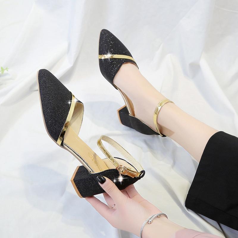 凉鞋女2019春夏新款韩版百搭粗跟尖头一字扣高跟鞋中跟包头罗马鞋12-01新券