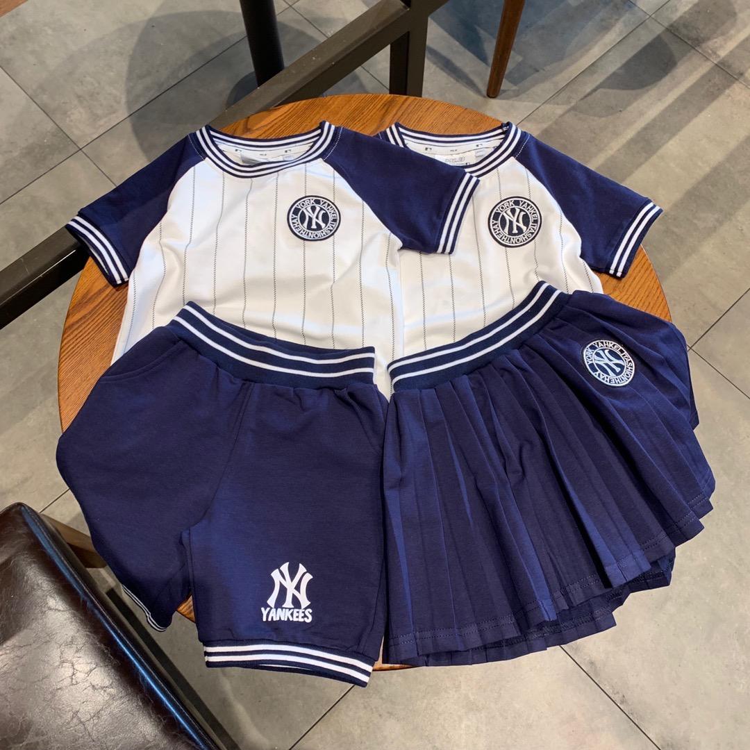 Kindergarten class uniform school uniform boys and girls childrens dress short sleeve T-shirt shorts suit striped brother sister brother Xia