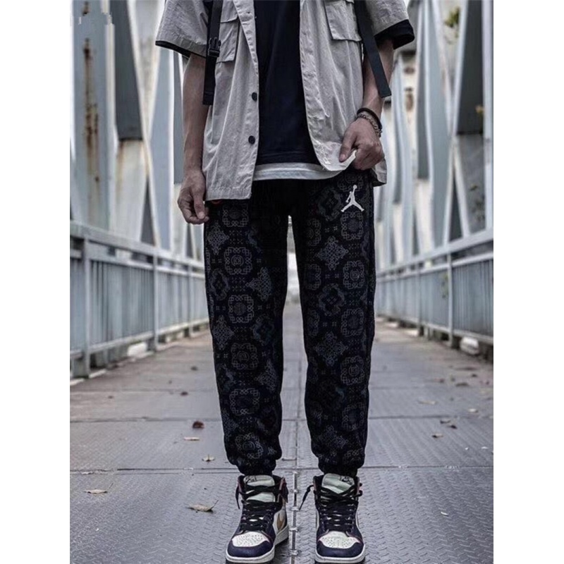 Cliot Chen Guanxi co branded the same Xiaofeiren silk Chinese style bodyguard pants leisure sports pants