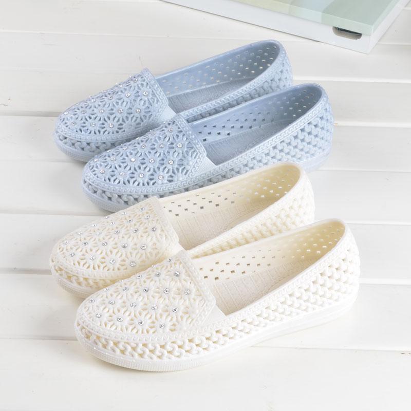 防滑護士鞋夏季女白色塑膠涼鞋女軟底媽媽鞋平底舒適沙灘鞋雨鞋女