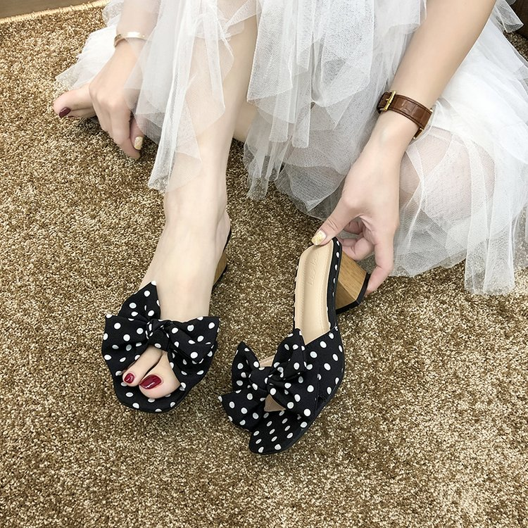New fashion sandals for women in 2020 summer