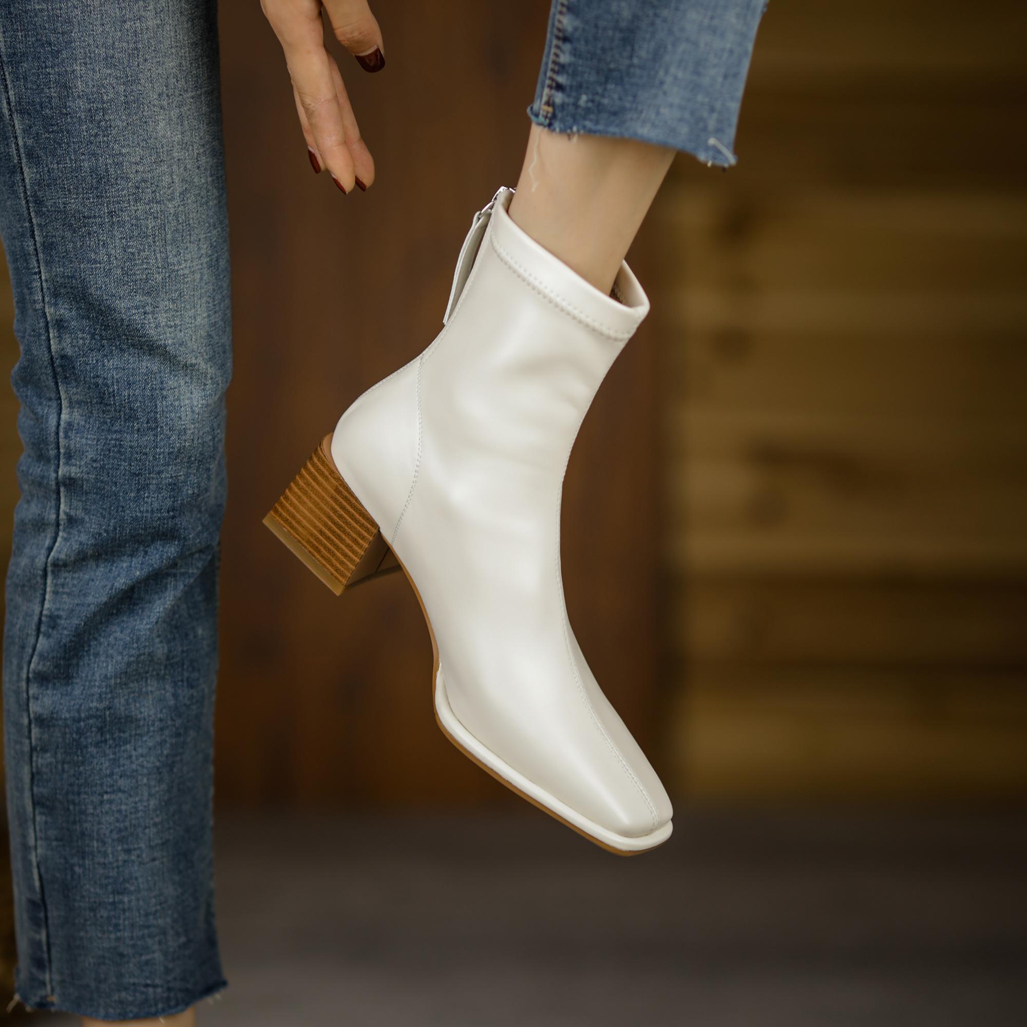 2021冬季新款方头粗跟白色瘦瘦靴网红百搭弹力短靴真皮中跟裸靴女