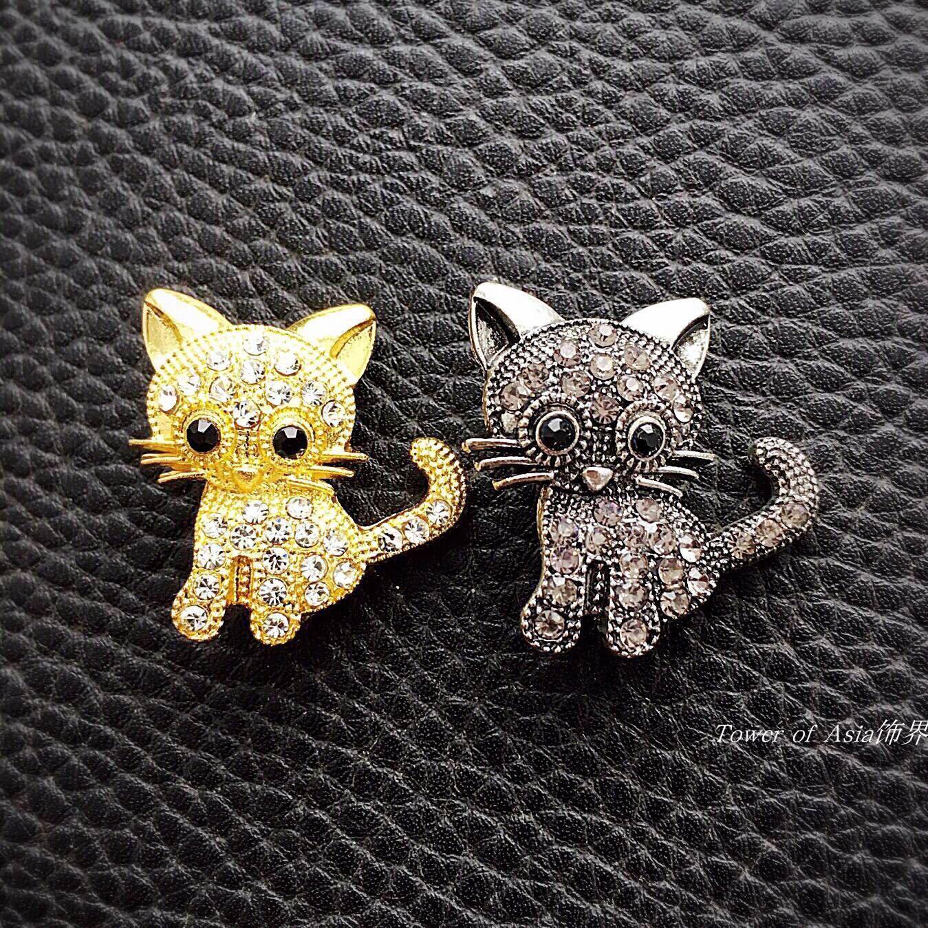 Japan and South Korea popular cute kitten Brooch female denim accessories accessories Rhinestone retro Brooch gadgets gifts