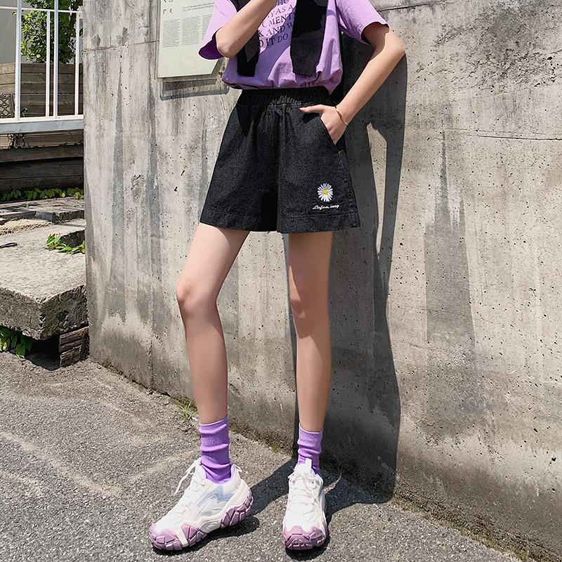 2020大码胖MM雏菊牛仔短短裤日系甜美风裤夏装花朵图案女士A字裤