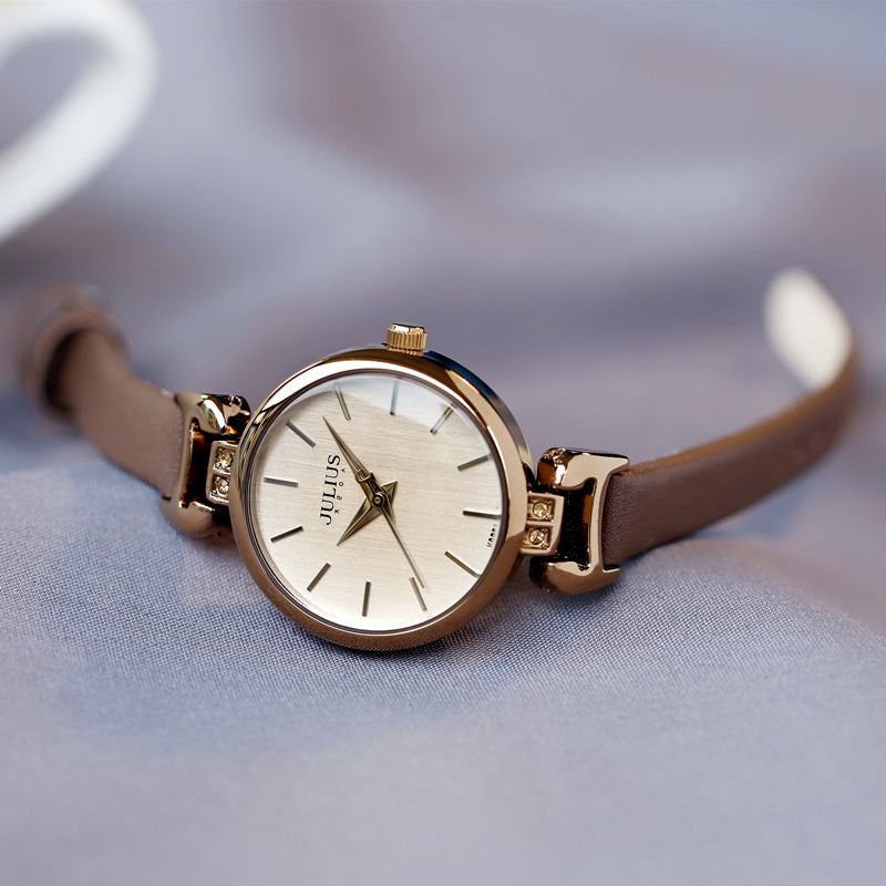 正品聚利时女表新品精致水钻时装手表女纤细小巧皮带复古表石英表