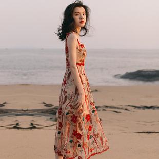 2021新款 法式 复古少女刺绣吊带连衣裙收腰显瘦气质海边度假沙滩裙