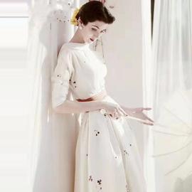 欧美时尚2020春秋季明星走秀新款高端女装气质修身白色长款连衣裙