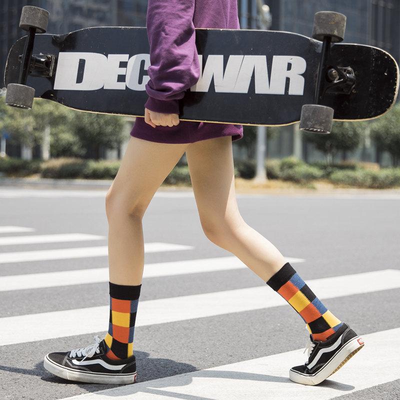 大号彩色格纹复古学院风运动袜子女中筒袜韩版彩色街头滑板长潮袜