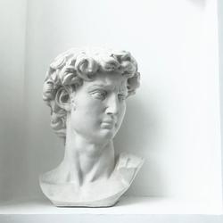 新款大卫头像雕塑北欧现代石膏素描人物摆件设办公室样板间装饰品