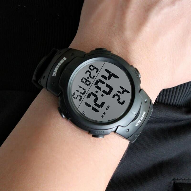 时尚户外防水运动男士电子表夜光多功能学生腕表男数字式老人手表
