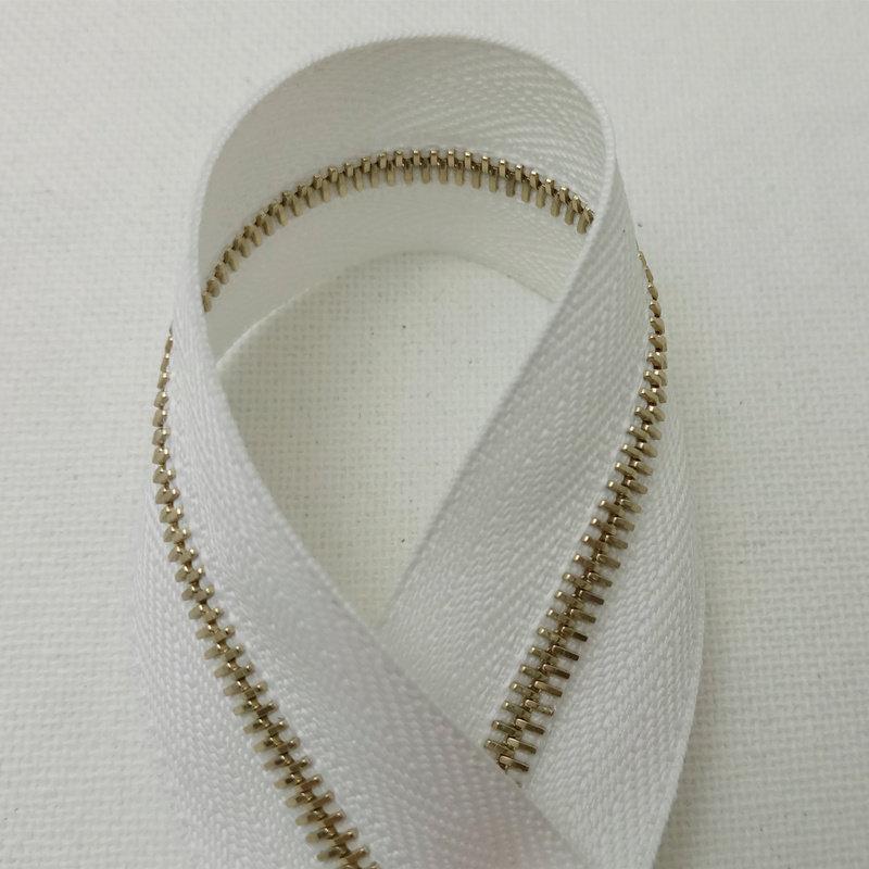 Genuine Swiss imported Riri code M4 gold tooth Lilly zipper 2101 pure white chain cloth hard code with flat teeth