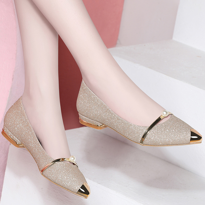 High heels spring 2019 new womens shoes Korean version versatile flat bottomed pointed single shoes womens medium heel shallow mouth small leather shoes