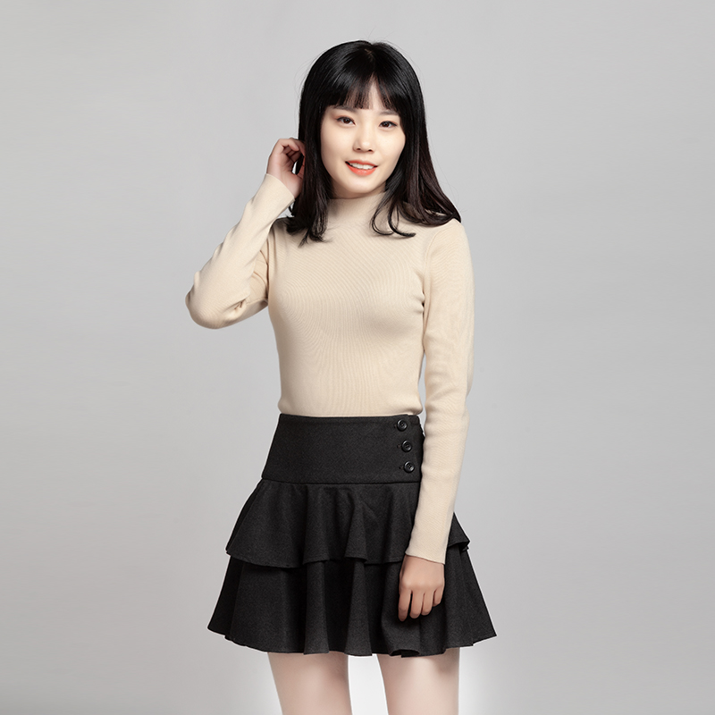 Buy authentic fashion woolen cake skirt pleated half body hip wrap skirt at Xiaoxiongs counter in China