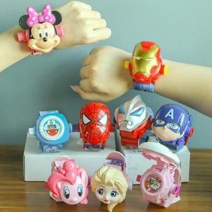 抖音儿童手表男孩女孩蜘蛛侠手表玩具电子表钢铁侠玩具奥特曼投影