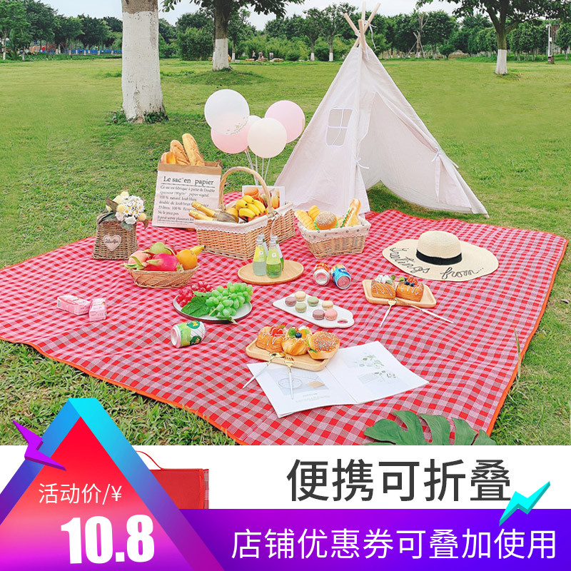 Outdoor picnic mat wear resistant thickened waterproof moisture proof spring outing portable pad outdoor mat beach mat ins wind