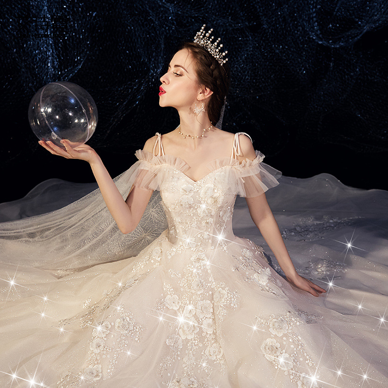 French light wedding dress 2020 new style small girl bride small tailed forest super sin Hepburn thin starry sky dream