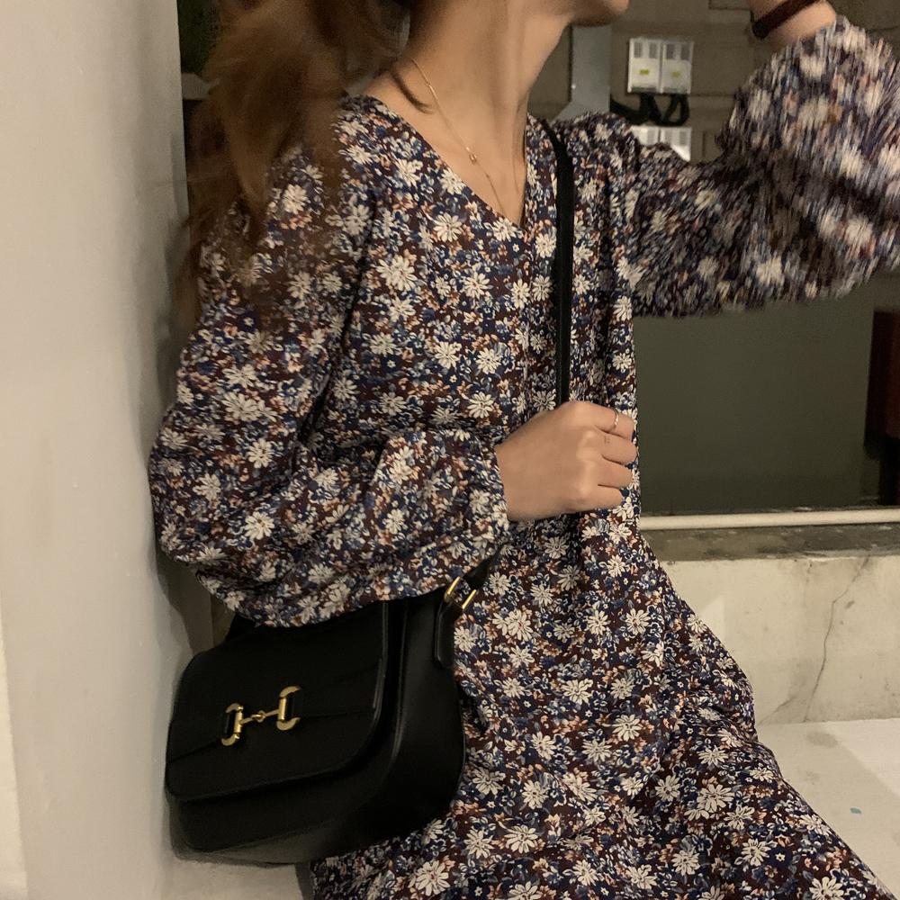 最小的海 韩版早春新款温柔气质宽松百搭中长款碎花连衣裙女秋冬