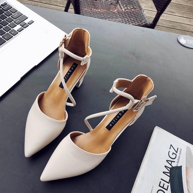 11月18日最新优惠女款凉鞋2018新款少女大人韩高跟鞋