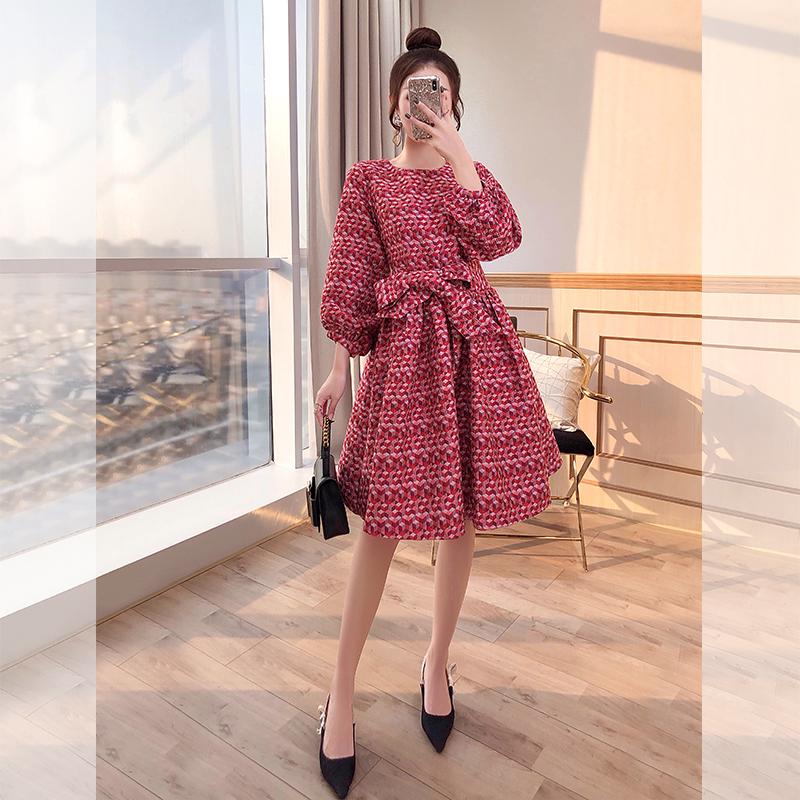 红裙子灯笼袖春装2021年新款女装轻奢名媛炸街夏季法式红色连衣裙