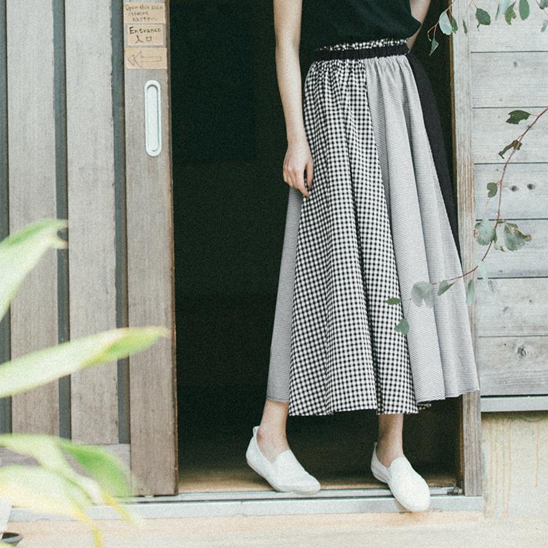 QUEENSHOP 2018春夏新品女装腰松紧黑白拼接格纹长裙03020358