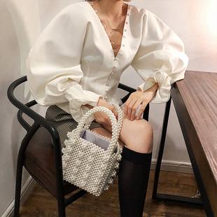 早秋復古宮廷風低胸V領心機上衣設計感泡泡喇叭袖短款收腰襯衫女